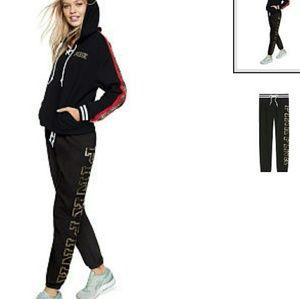 ✔VS PINK NWT BLING LOGO RD/BK CLASSIC PANTS M 8-10